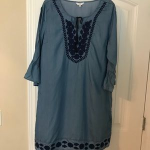 Denim colored dress with Navy embroidery